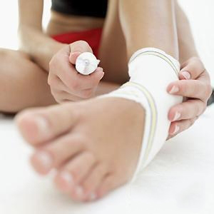 锻练中遇到肌肉拉伤、扭伤,该怎样处理?